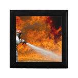 Destino Digital del rescate de la llama del fuego  Caja De Regalo
