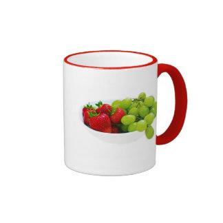 Destino sano de la ensalada de fruta caprichoso taza de café