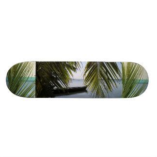 Destino tropical de la resaca de la arena de la patines