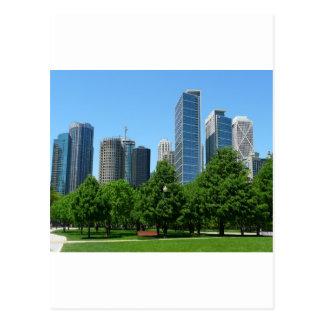 Destino ventoso de los edificios del parque de la  tarjeta postal