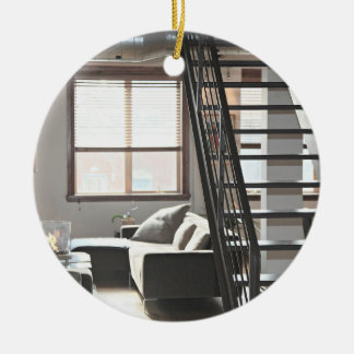 Desván temático, desván moderno acogedor con adorno redondo de cerámica
