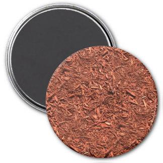 detail image of red cedar mulch for gardener magnet
