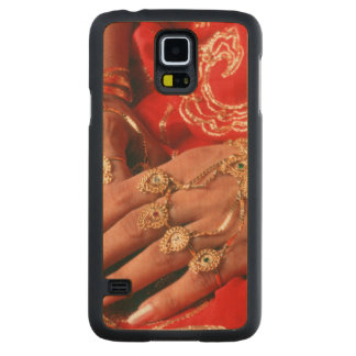 Detail Of Elaborate Jewelry Carved Maple Galaxy S5 Slim Case