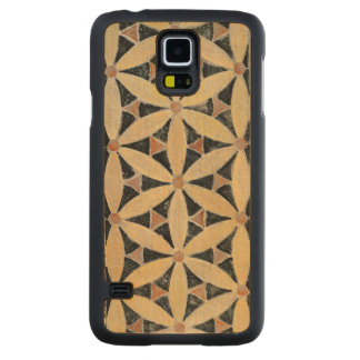 Detail of the pavement carved® maple galaxy s5 case