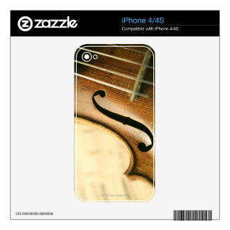Detailed Violin Decal For The iPhone 4