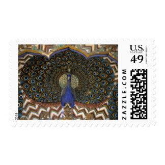 Detalle arquitectónico de la puerta del pavo real timbres postales