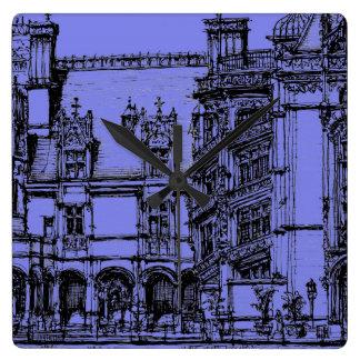 Detalle arquitectónico reloj