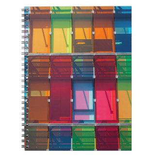 Detalle comercial multicolor del edificio cuaderno