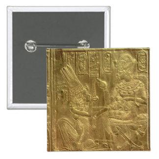 Detalle de la capilla de oro pin cuadrado
