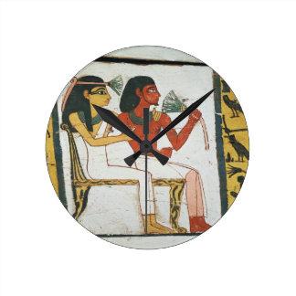 Detalle de la decoración de un sarcófago del L Relojes De Pared