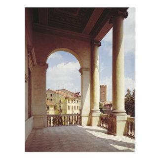 Detalle de la galería de la fachada principal, postal