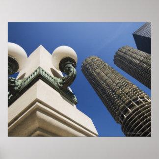 Detalle de la lámpara de calle en las torres Chica Poster