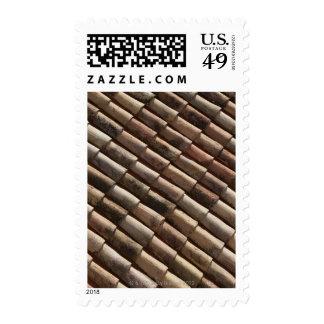 Detalle de tejas tradicionales en un tejado envio