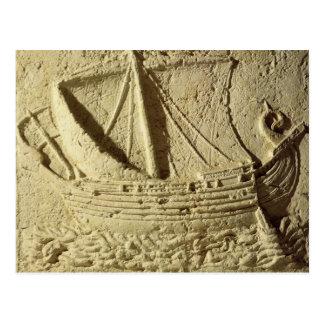 Detalle de un alivio de un barco, de un sarcófago postal