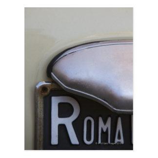 detalle de un número de matrícula de Roma en un Postal