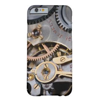 Detalle de un reloj de bolsillo funda de iPhone 6 barely there