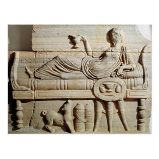 Detalle de un sarcófago postal