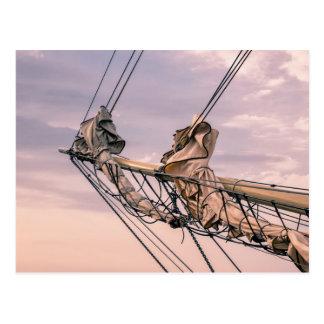 Detalle de un velero postales