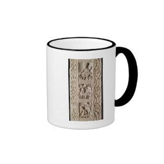 Detalle de una demostración del pilar tazas de café
