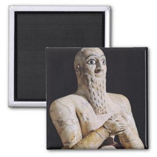 Detalle de una estatua de Itur-Shamagen Imán Cuadrado