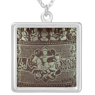 Detalle de una lámpara, de Egipto, 1282 Collar Plateado