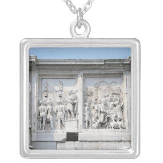 Detalle del arco de Constantina Colgante Cuadrado