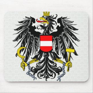 Detalle del escudo de armas de Austria Alfombrillas De Ratones