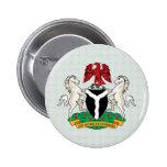 Detalle del escudo de armas de Nigeria Pin Redondo 5 Cm