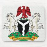 Detalle del escudo de armas de Nigeria Tapete De Ratones