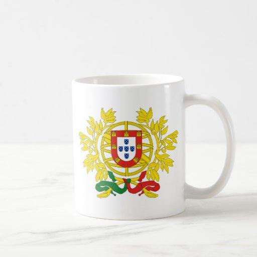 Detalle del escudo de armas de Portugal Tazas De Café