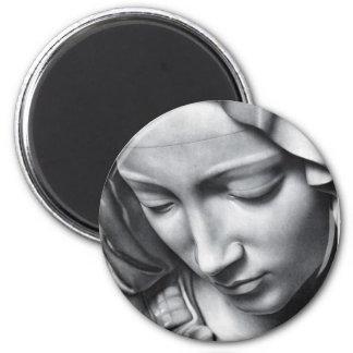 Detalle del Pieta de Miguel Ángel de la cara del Imán Redondo 5 Cm