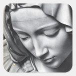 Detalle del Pieta de Miguel Ángel de la cara del V Calcomania Cuadrada Personalizada