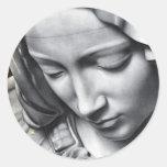 Detalle del Pieta de Miguel Ángel de la cara del V Etiquetas Redondas