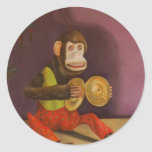 detalle travieso del niño (mono) etiquetas redondas
