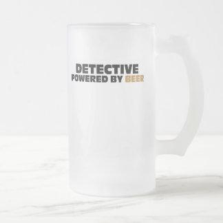 Detective accionado por la cerveza jarra de cerveza esmerilada