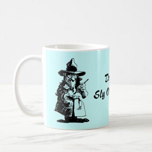 Detective astuto detective del misterioso taza de café