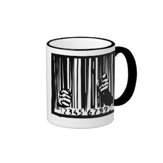 Detrás de barras taza de café