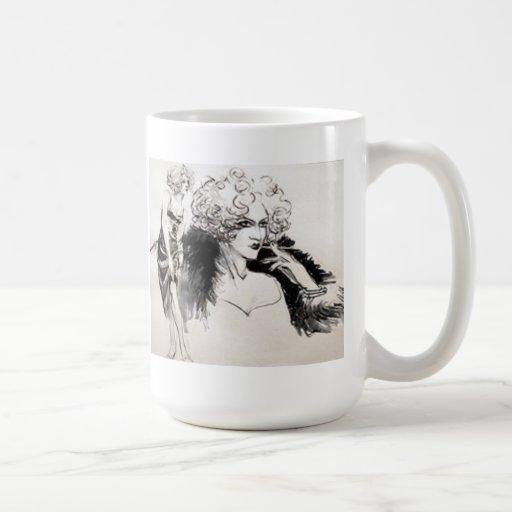Detrás de cada mujer acertada taza de café