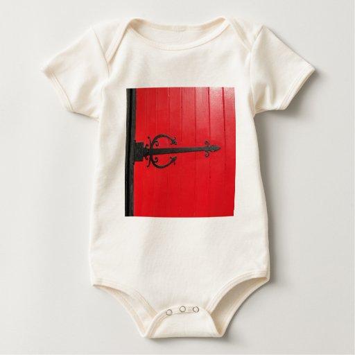 ¿Detrás de la puerta roja? Trajes De Bebé