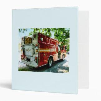 Detrás del coche de bomberos