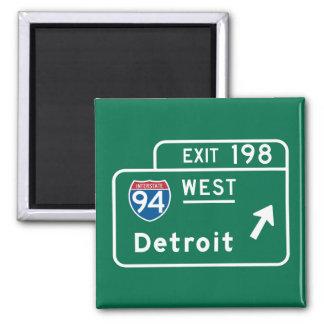Detroit, MI Road Sign 2 Inch Square Magnet