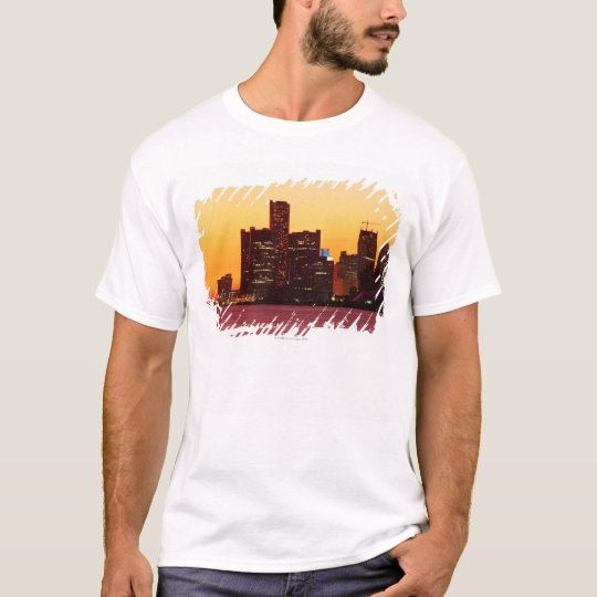 Detroit skyline in colorful sunset T-Shirt