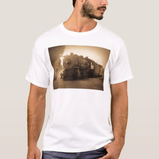 Detroit Terminal Railroad Engine at Adrian MI T-Shirt