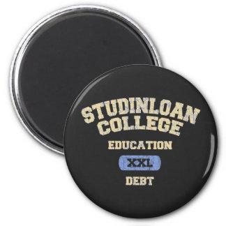 Deuda de la educación universitaria imán redondo 5 cm