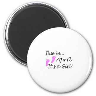 Deuda en abril (es un chica) imán redondo 5 cm