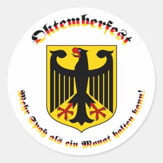 Deutschem Wappen del mit de Oktemberfest Pegatina Redonda