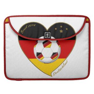 """""""DEUTSCHLAND"""" Soccer Team 2014. Fútbol de Alemania Fundas Para Macbook Pro"""