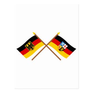 Deutschland und Saarland Flaggen, gekreuzt Postcard