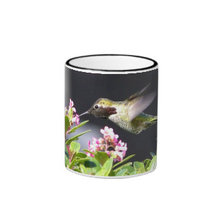 Devoluciones del colibrí taza de dos colores
