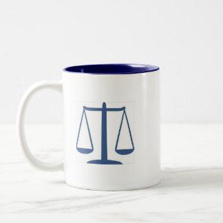 Dewey, Scruem y abogados de Howe en la ley Tazas